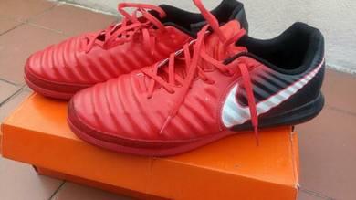 Nike futsal tiempo