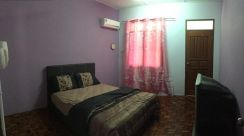 Furnished air conditioning single room.Clean and neat