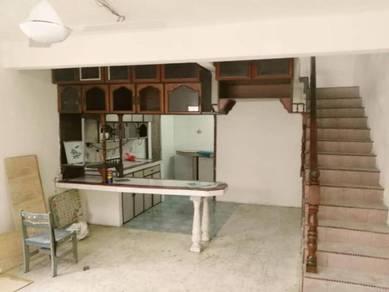 2.5 storey terrace end lot at taman sri sinar kepong freehold