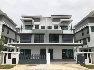 New 3 storey semi D house at Bandar setia alam, setia utama, shah alam