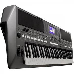 Yamaha Arranger Workstation with Adapter (PSRS670)