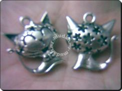 ABPSM-C014 Silver Smiley Cat Pendant Necklace