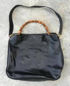 Authentic vtg GUCCI bamboo leather kueii