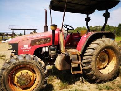 Traktor/ Tractor Farmax 9544