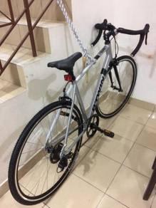 Hybrid/Touring/Road bike
