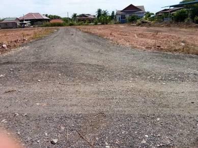 Tanah lot 100 m dari simpang trafik light pmtg bendahari(Penaga)