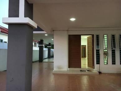 Rent : corner lot single storey