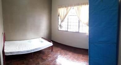 Room in Subang Impian Apartment, Seksyen U5 Shah Alam