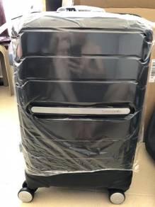 "Samsonite Octolite Spinner 20"" Luggage Bag"