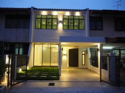 2 Storey Terrace House , Fully Renovated , Freehold