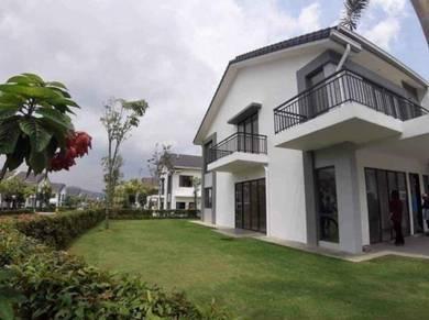 Lake View Double Storey with private garden 10min to Putrajaya