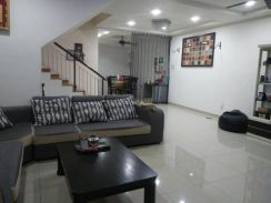 20 X 75 ( FULLY RENO & EXTEND ) 2 Sty Taman Putra Impiana Puchong