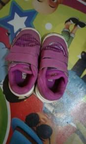 Adidas kids shoe