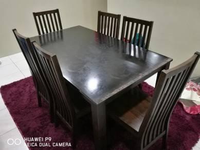 Meja makan 6 kerusi solid wood