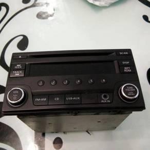 Nissan Original CD Player