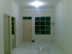 Single Storey Terrace near Summer Mall