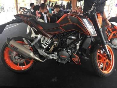 New KTM Duke 200 Evo S Free Gift Items x 17