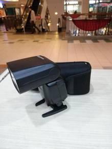 Canon 600ex-rt speedlite - 99% new