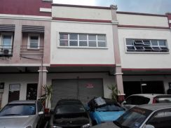 Senawang light industrial 1&1/2 storey Factory For Rent