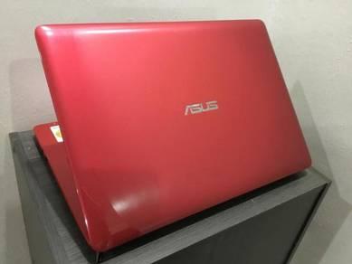 ASUS A456U i5 6th 2.8GHz/4GB/1TB/Nvidia 930MX