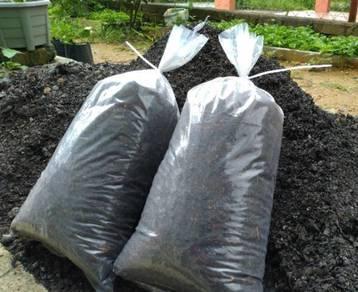 1 Pek (+3 Kg) Tanah Hitam Sawit Organik