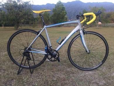 Sundeal R7 Roadbike