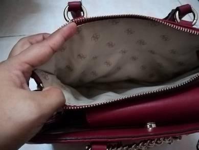 Beg tangan guess original untuk dilepaskan
