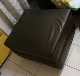 Sofa Empat Segi