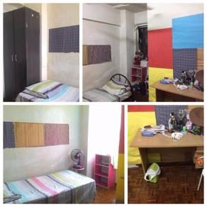 Medium Room at Vista Angkasa, LRT University