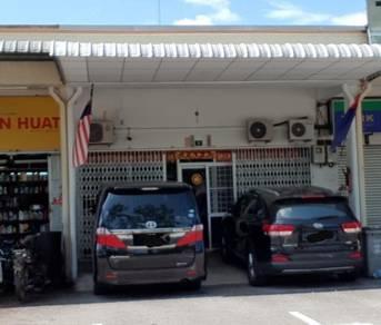 Single storey shop lot at Sri Medan, Batu Pahat