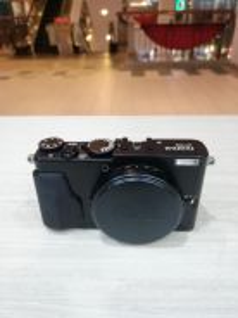 Fujifilm x70 digital camera (99% new)