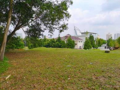 PRIME LOCATION Bungalow Land at PRESINT 8, near Istana Darul Ehsan