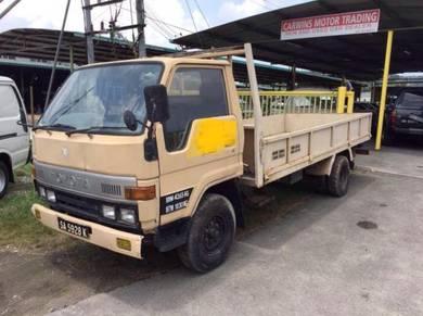 Toyota lorry dyna truck