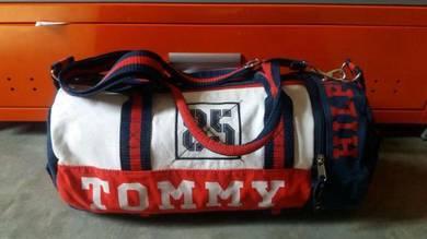 Tommy hilfiger duffle