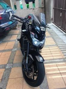 2010 Kawasaki Black Z750 w/ Accessories