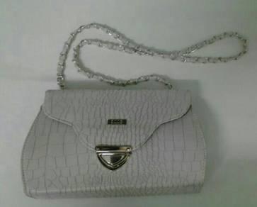 Ecco sling bag