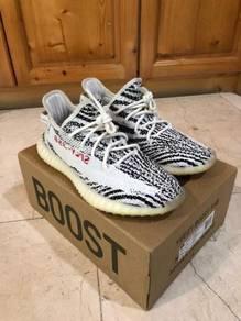 Membeli kasut fast cash