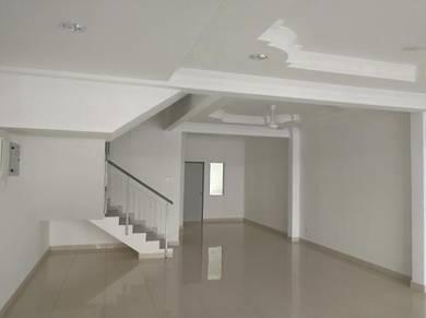 3 Storey House Taman Aman Permai, Sungai Tangkas, UKM, Bangi