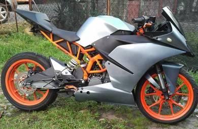 Moto KTM RC200 untuk dilepaskan