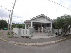 Corner lot single storey, chemor ria, reno unit
