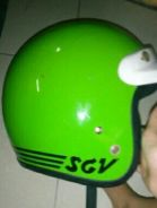 Topi helmet motor