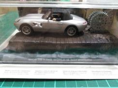 James Bond 007 BMW Z8 Scale 1:43