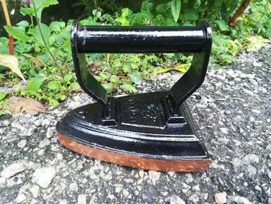 Ber1 Antique Salter No.4 sad iron Seterika antik