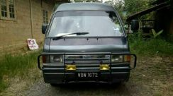 Ford spectron 1.8 petrol