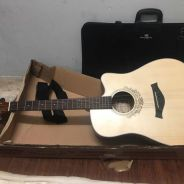 Mentreel acoustic guitar