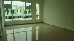 Bandar sri sendayan double storey end lot for rent