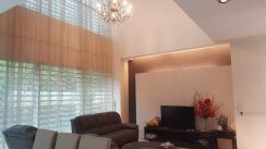 Triple Storey Terrace Corner ; Fully Renovated & Furnished near Market