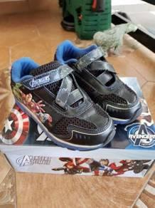 Kids avenger sport shoes