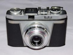 Antique vintage realist 35 35mm camera circa 1955