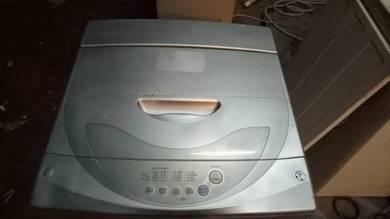 Washing machine washer mesin basuh LG 7kg